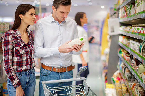 couple shopping in grocery store - JConnelly blog - Don't Overlook the Power of a Clear Brand Voice