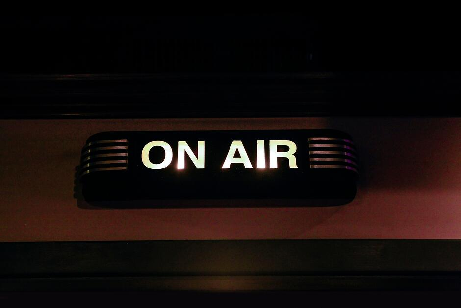 On Air sign- JConnelly blog- 3 ingredients for live video success